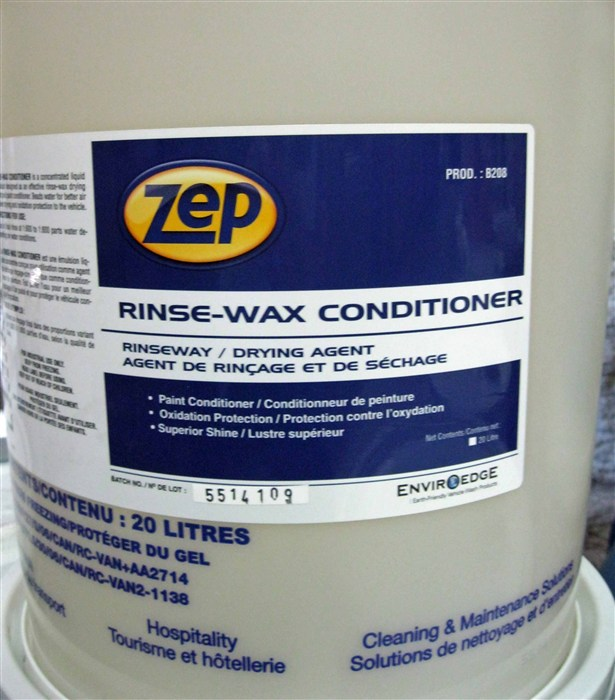 Zep Rinse Wax Conditioner - Vehicle Rinse Agent