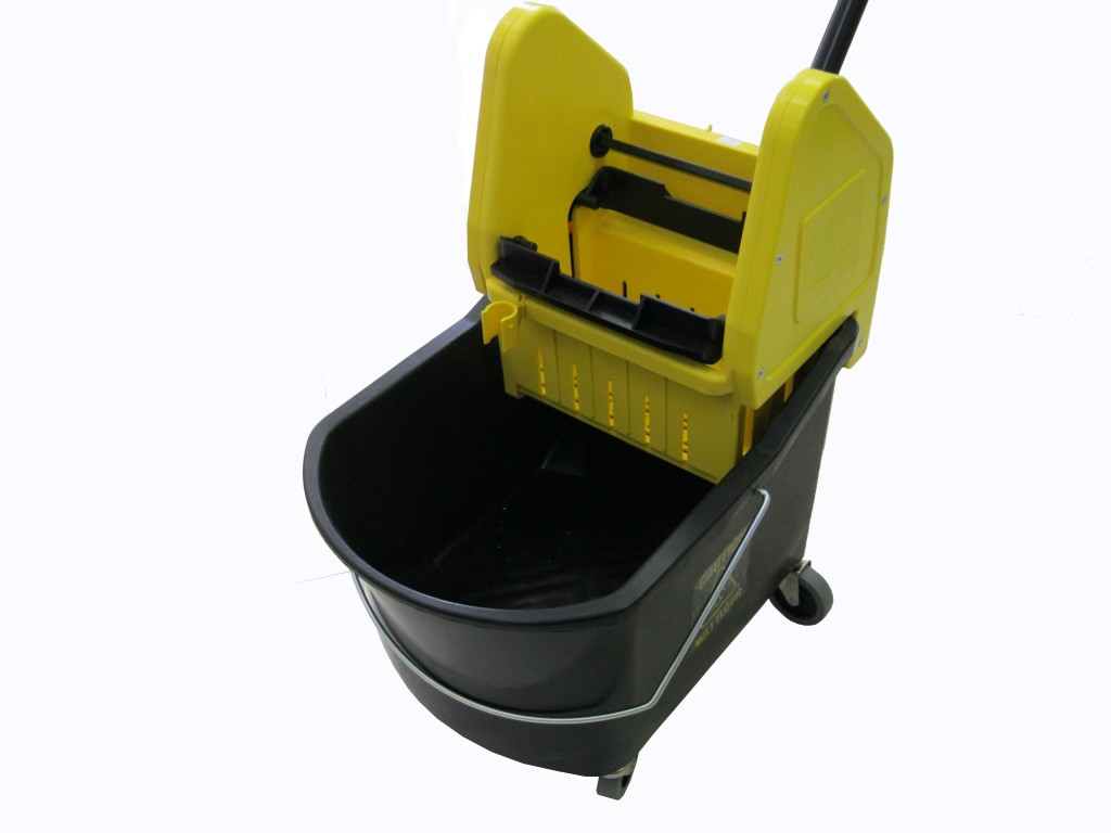 M2 Grizzly Downpress Bucket Wringer Combo Soap Stop